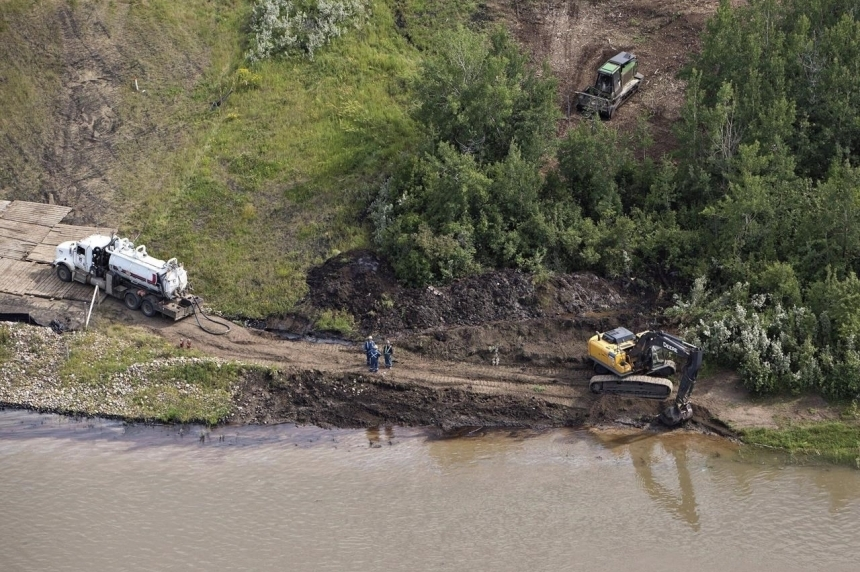 Deadline looms for Husky's investigation into northern Sask. oil spill