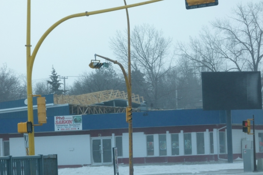 Blizzard tears off restaurant roof in Weyburn