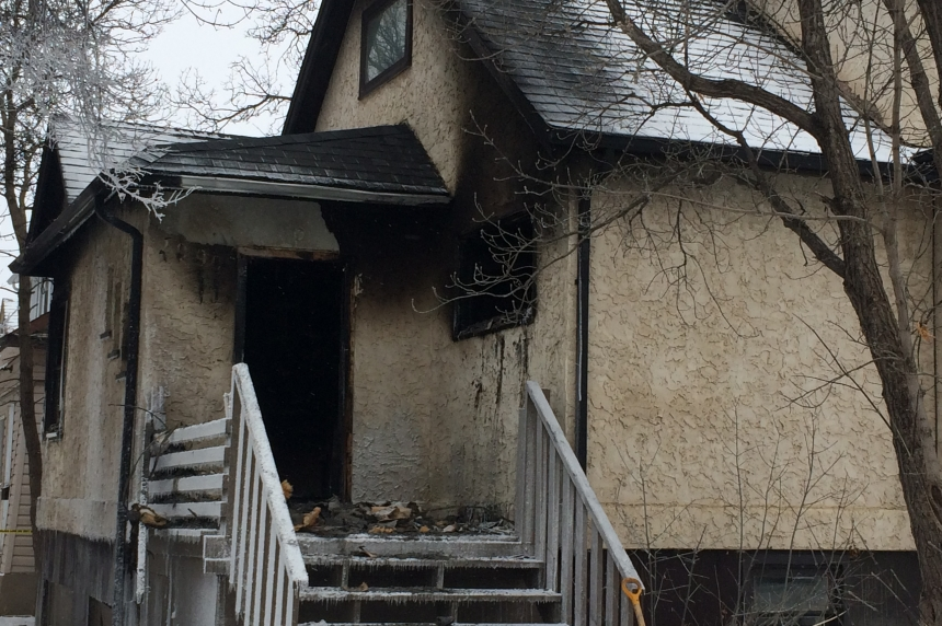 1 dead, 1 taken to hospital after early morning Regina house fire