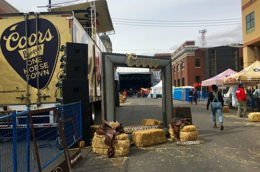 Moose Jaw brings out cowboy boots for One Horse Town concert