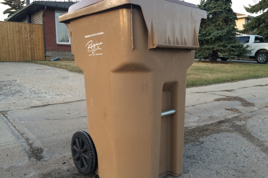Thousands put out garbage bins in error as schedule changes