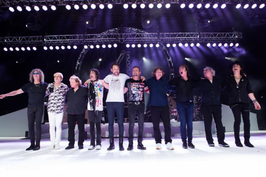 Weyburn choir wins contest to sing with Foreigner