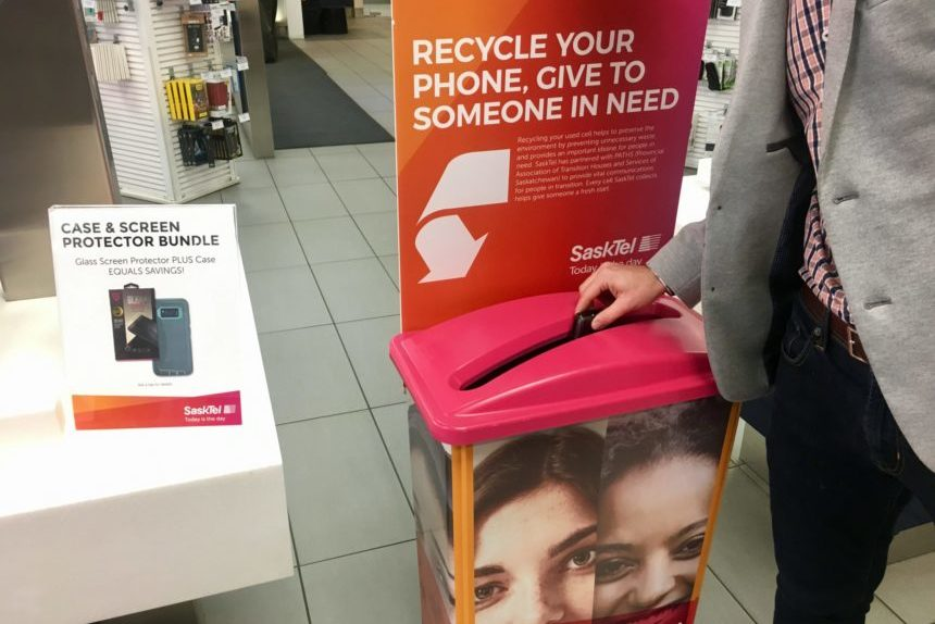 Phone recycling program gives women in need a 'fresh start'