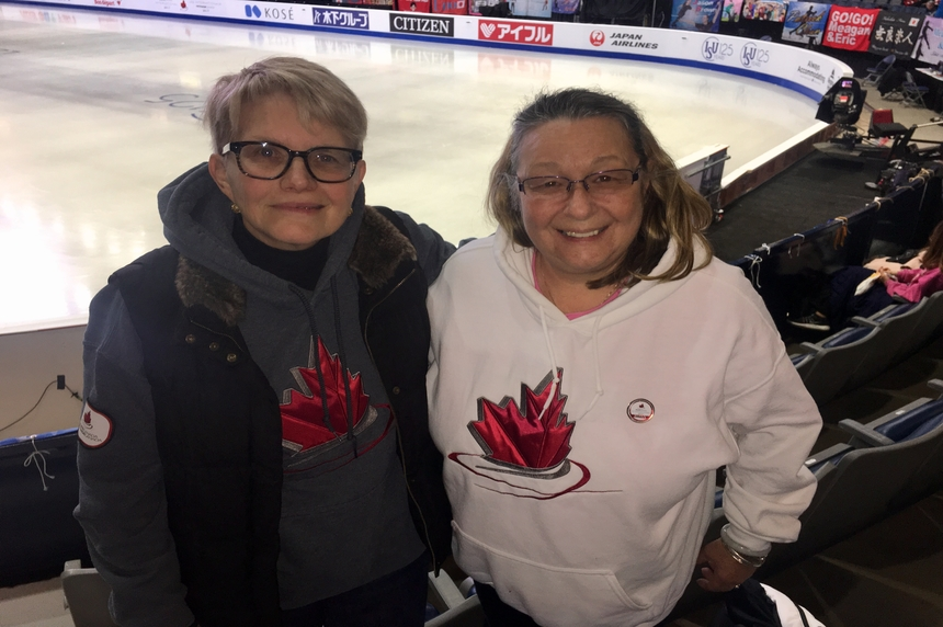 Skate Canada International reunites cross-country friendship