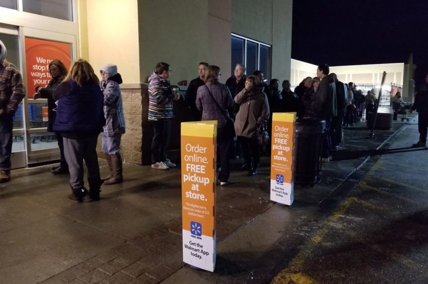 Black Friday sales draw out Sask. deal-hunters