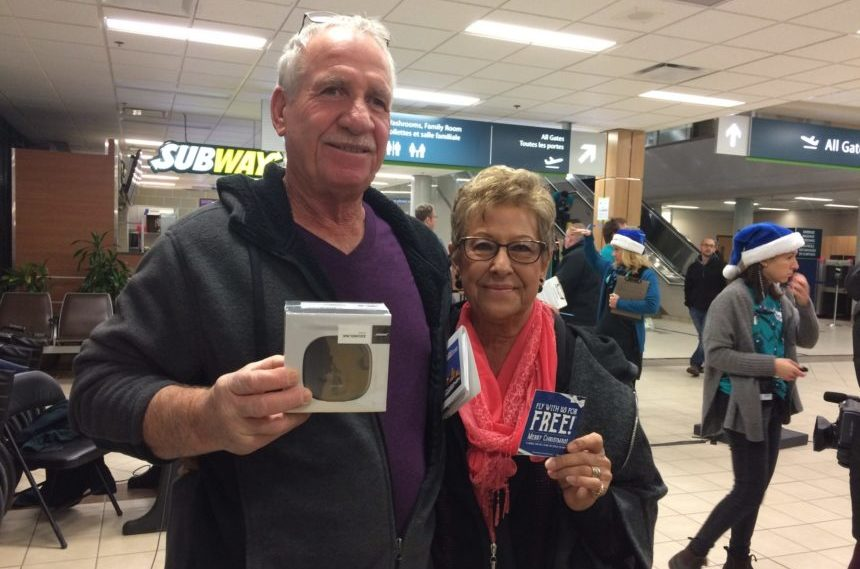 Travellers treated to early Christmas at Regina Airport