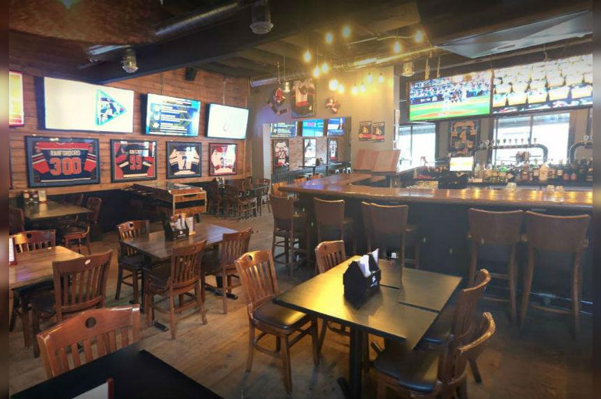 'Green and white presence:' Ottawa bar serves Rider fans