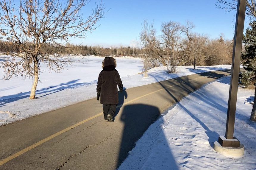 'Just dress up and go:' Reginans embrace the frigid weather