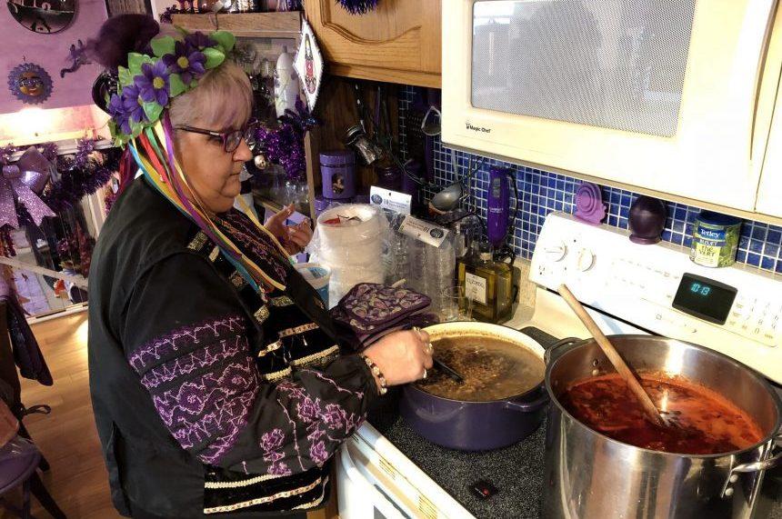 Regina woman opens home for Ukrainian Christmas Eve feast