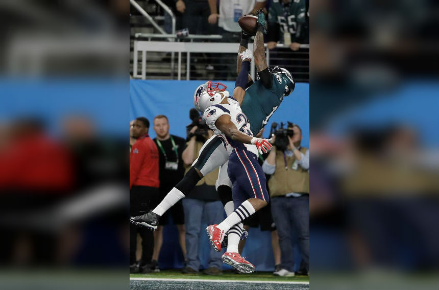 Foles, Eagles outshoot Patriots for 1st Super Bowl, 41-33