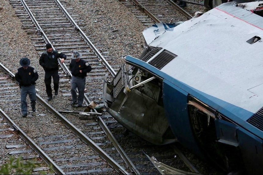 2 Amtrak workers killed, 116 hurt in South Carolina crash