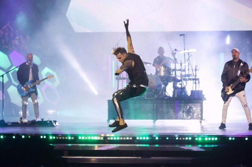 Hedley openers Neon Dreams drop out of tour, say it's 'morally right' thing to do