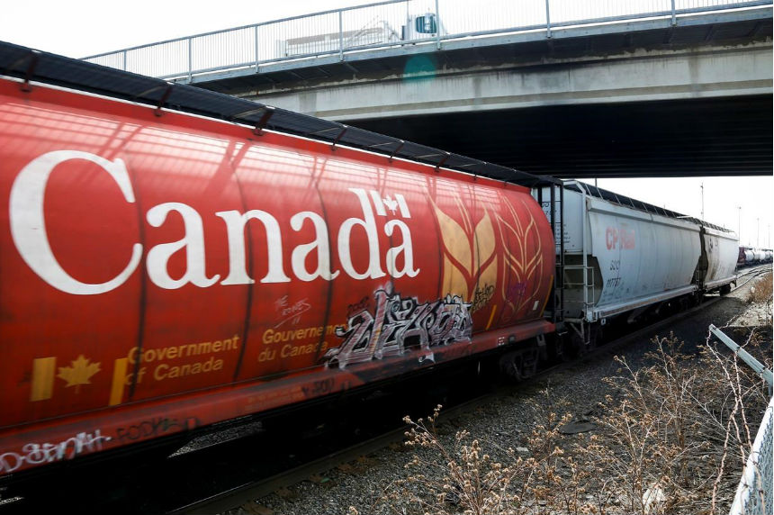 Grain rail backlogs 'unfortunate' issue: federal agriculture minister