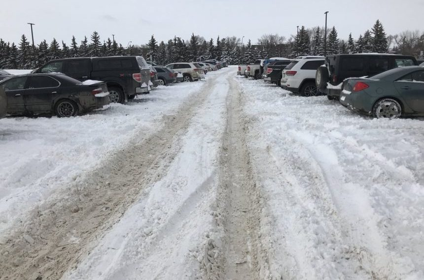 Slow snow-clearing causes parking issues for U of R students