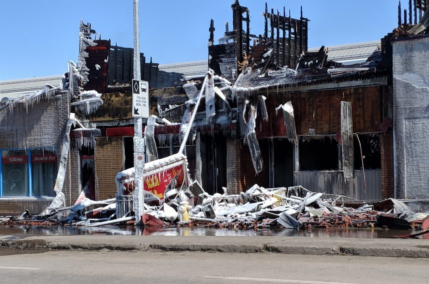 Major fire leaves building in charred ruins on Broad Street