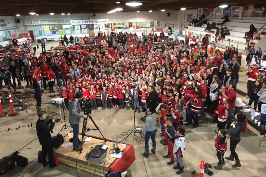 Lucan wins! Kraft Hockeyville is coming to town