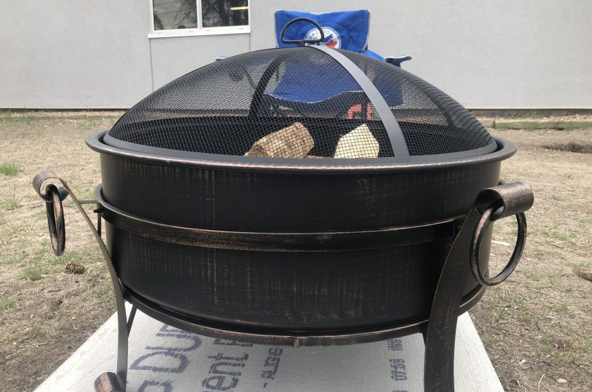 Regina warns residents to follow fire pit bylaws