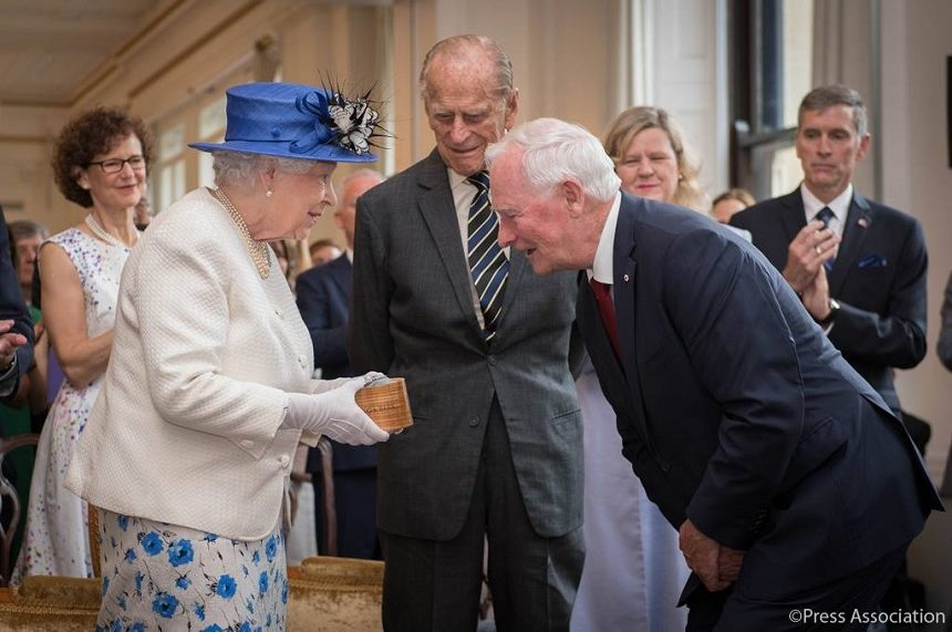 Sask. jeweller crafts brooch gifted to Queen by Canada