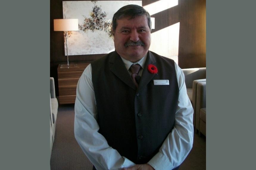 Saskatoon bellhop wins Canadian Tourism Employee of the Year Award