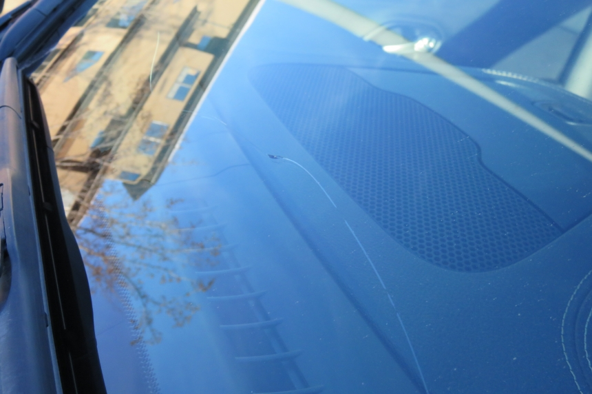 Check your windshield: warm car washes can make stone chips into large cracks