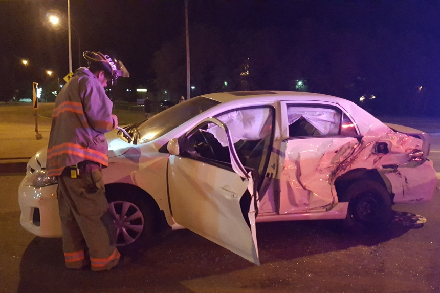 3-vehicle crash on Circle Drive sends 5 people to hospital