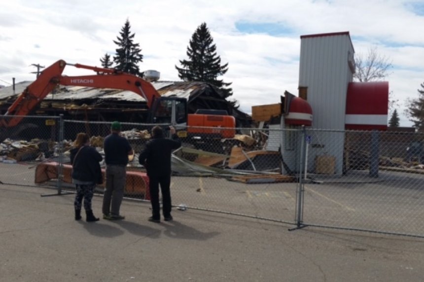 Demolition begins at Bonanza Steakhouse