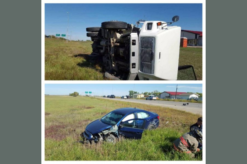 Crash north of Saskatoon sends 2 to hospital, backs up traffic