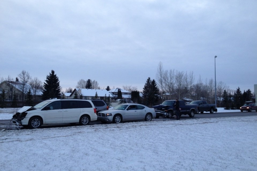 6 vehicle crash in Regina's southeast