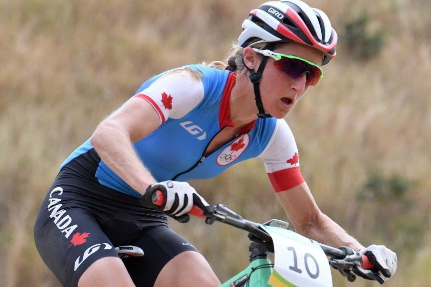 Catharine Pendrel wins mountain bike bronze in Rio, teammate Emily Batty fourth