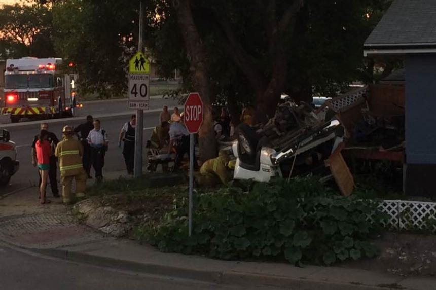 2 suspects arrested after 2 crashes in Regina