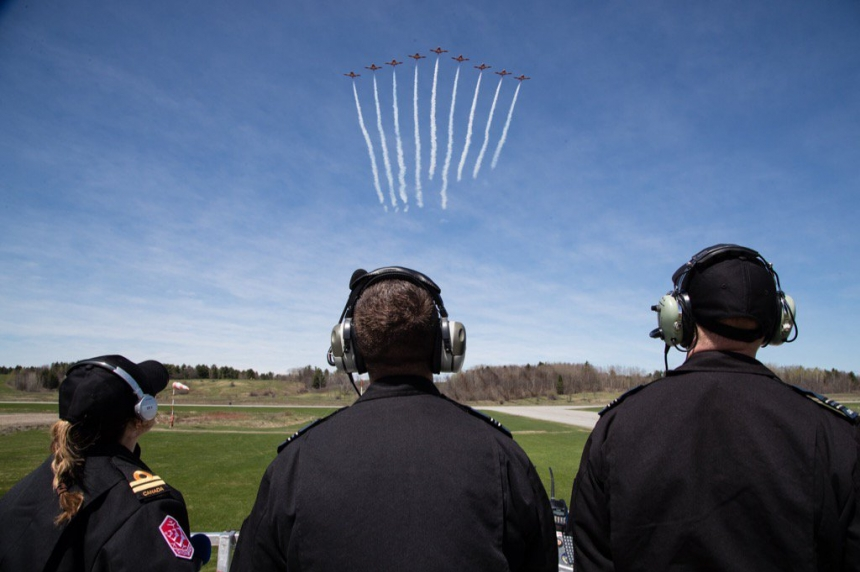 Snowbirds fly again at Canada Remembers Armed Forces Day