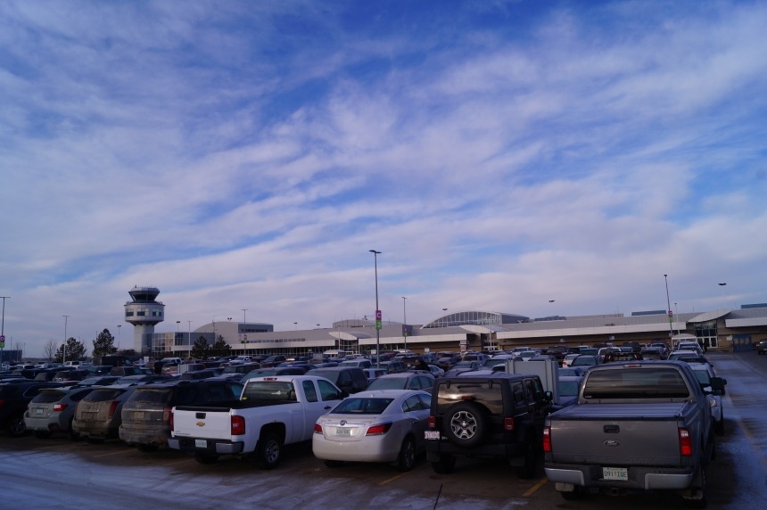 Saskatoon airport busy with Christmas travellers