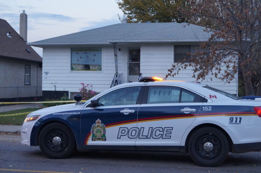 Saskatoon stabbing sends man to hospital
