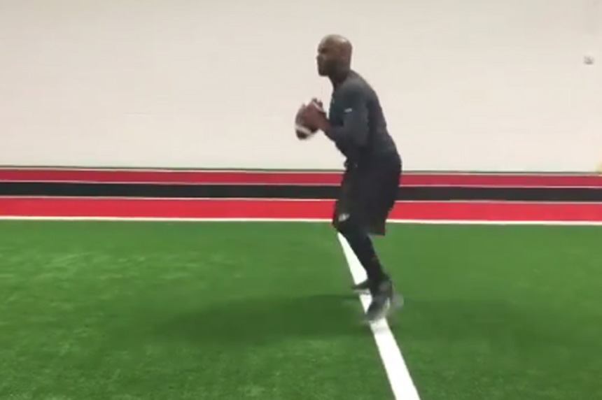 Darian Durant shows off his work in the off-season in video