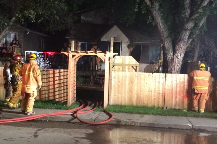 Regina firefighters respond to house fire on Edward Street