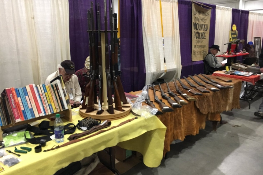Gun and antique enthusiasts pack Praireland Park over the weekend
