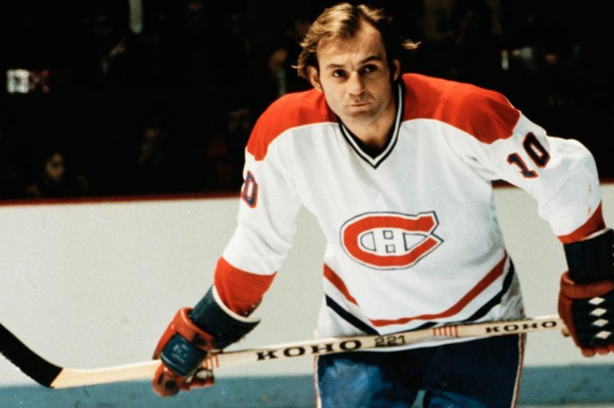 Hockey great Guy Lafleur honoured at Saskatoon Kinsmen dinner