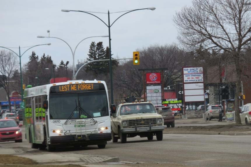 Saskatoon bus drivers honour slain Winnipeg operator with special message