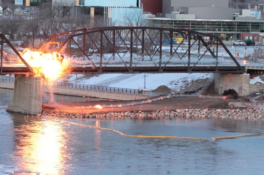 Northern span of Traffic Bridge comes crashing down