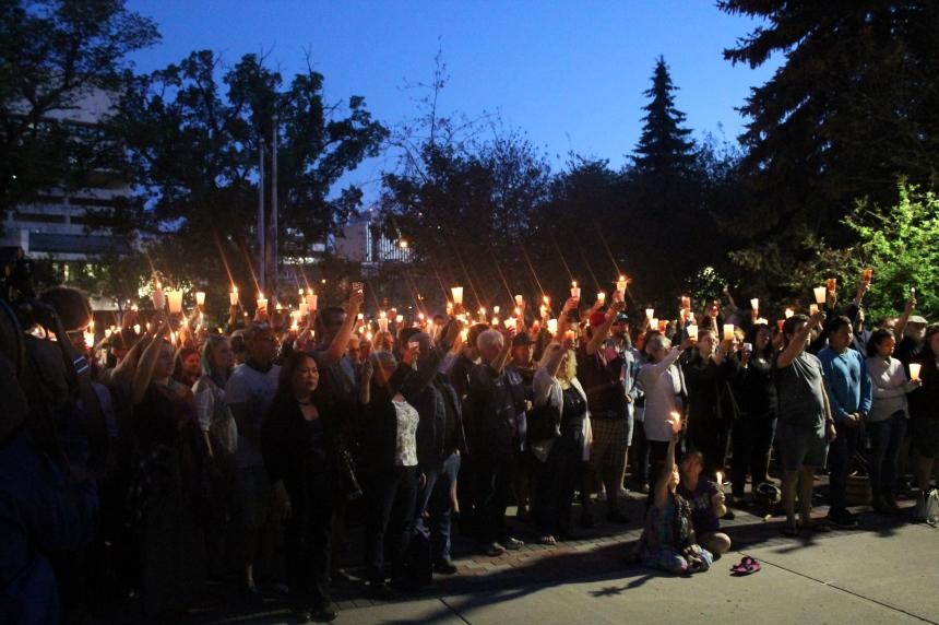 'Love is love': Hundreds honour Orlando shooting victims at Saskatoon vigil