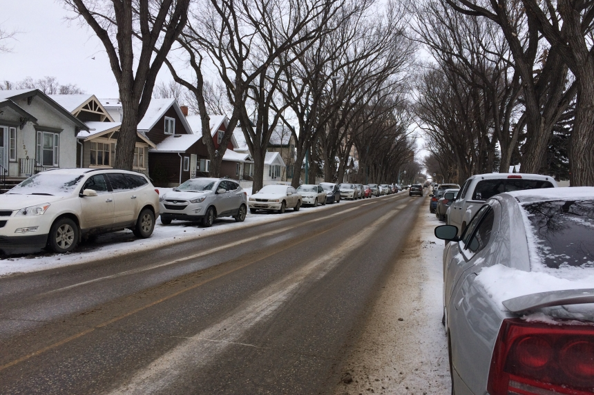 Regina residents weigh in on new snow routes pilot program