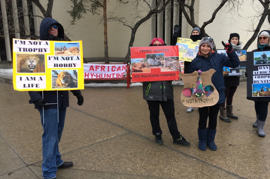 African trophy hunting trade show draws protesters to Saskatoon hotel