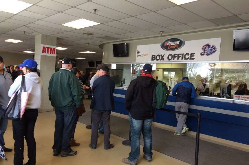 Pats fans wait hours to buy WHL Championship Series tickets