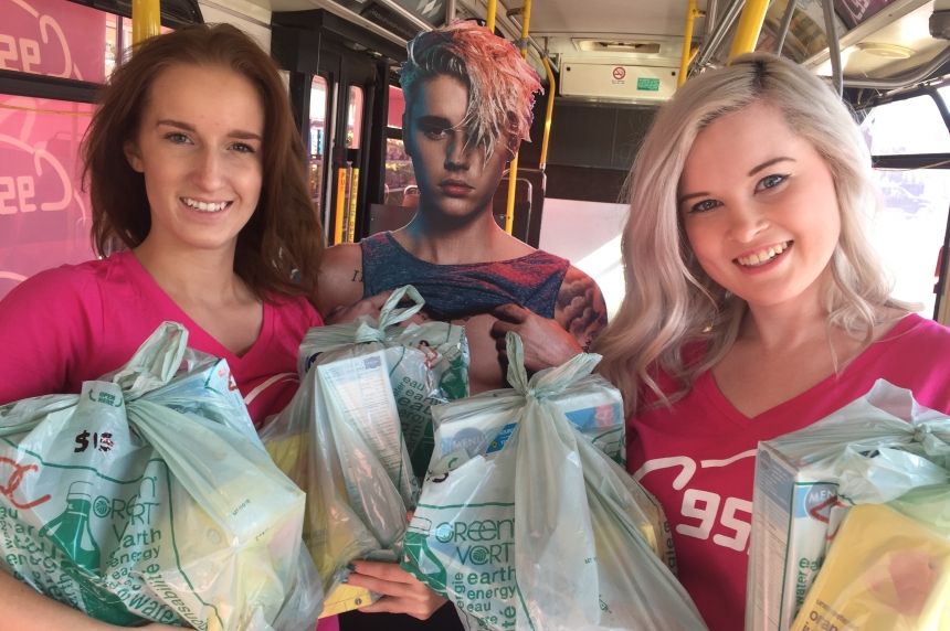 Bieber fans donate 5,432 lbs. of groceries for food bank