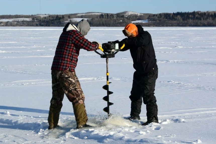 Province warns of ice safety on warm free fishing weekend in Sask.