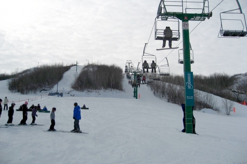 "Mission Ridge is ""just fine"" despite warm weather"