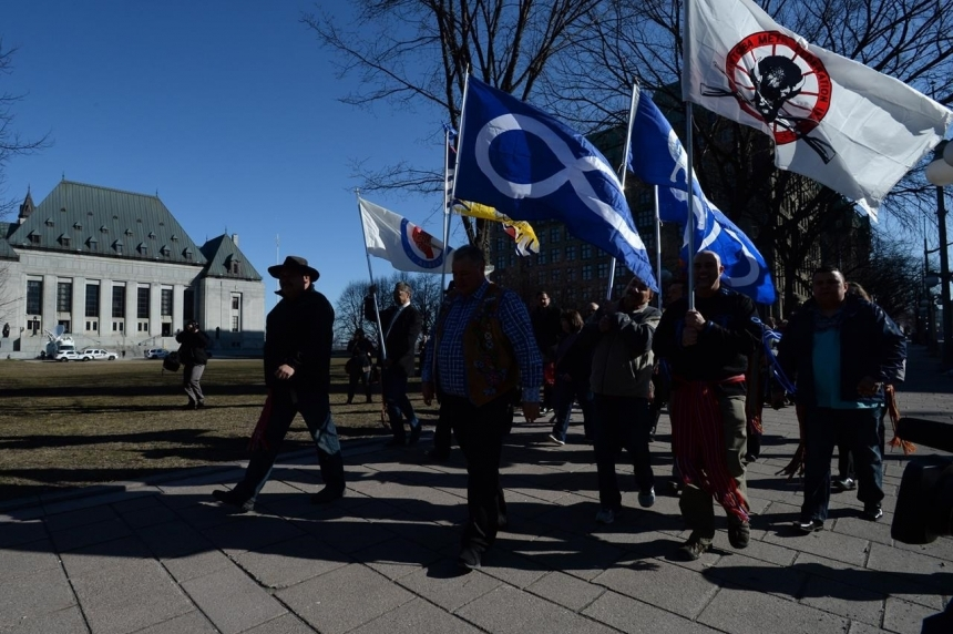 Supreme Court rules that Metis, non-status Indians are federal responsibility