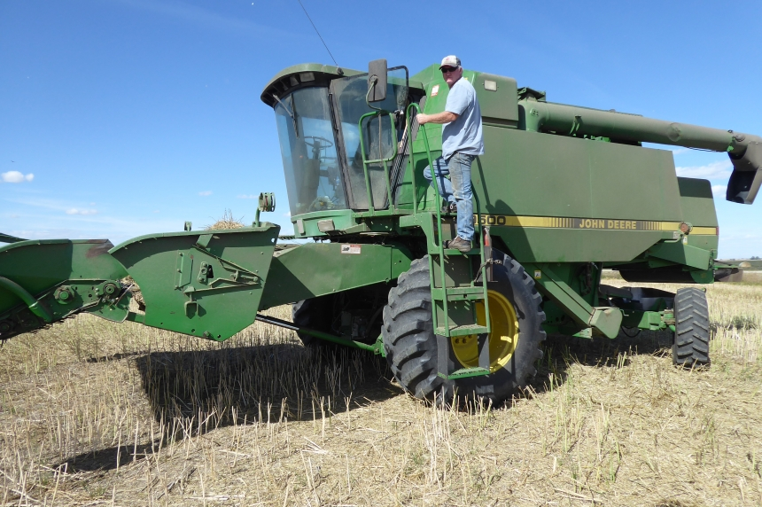 Martel on the Move: helping with the harvest