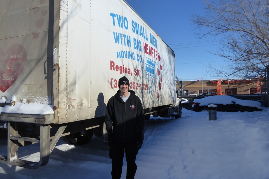 Regina moving company keeps moving on despite frigid temps