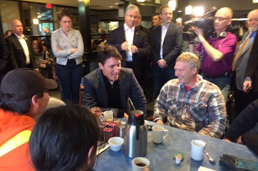 Trudeau makes brief stop in Regina during tour